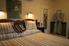 La chambre Philippe montée  en lit  King  . au Champayeur.