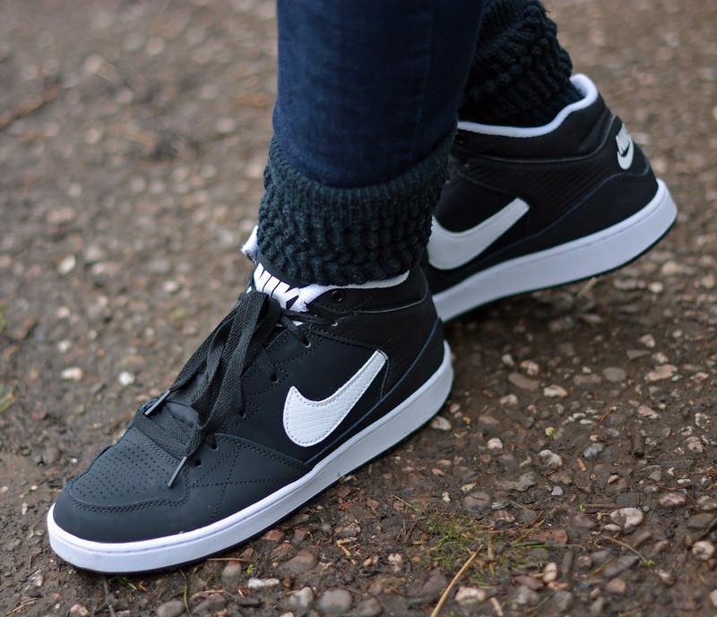 Denim skinnies and Nike hi-tops