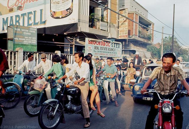 SAIGON 1968 - Đại lộ Cách Mạng 1-11. Photo by J. Patrick Phelan