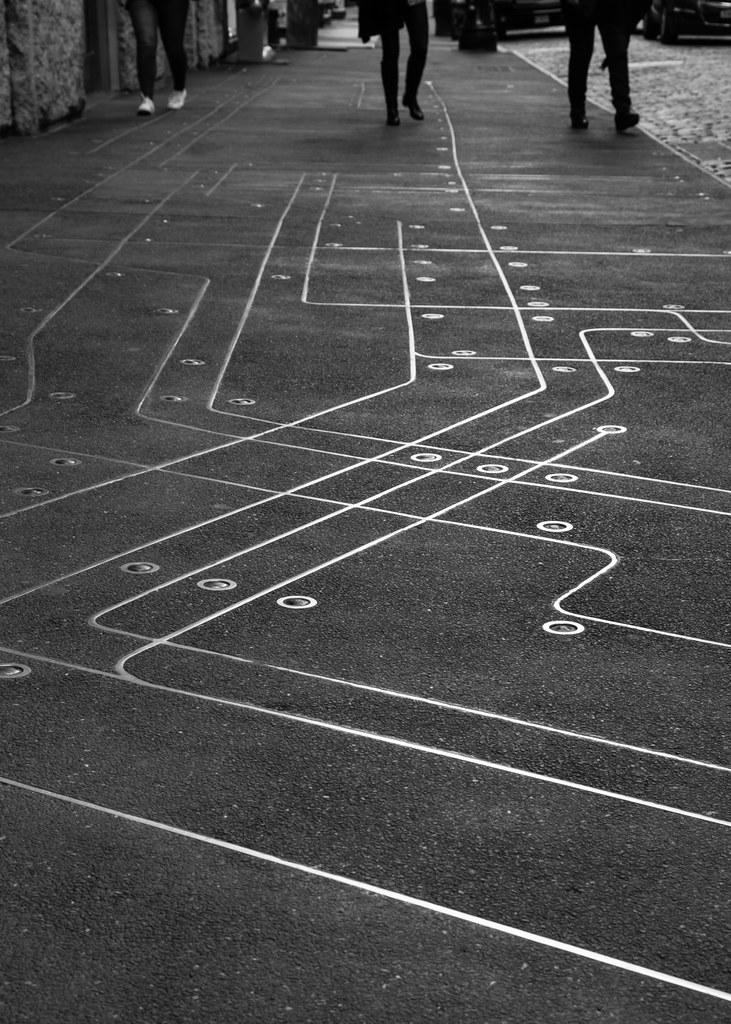 Floating Subway Map.Subway Map Floating On A Nyc Sidewalk Artist Francoise S Flickr