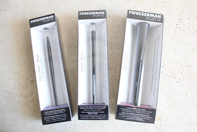 Tweezerman Brush iQ review