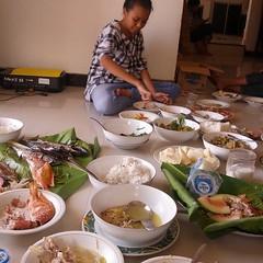 Wa Dila yg makan terakhir.