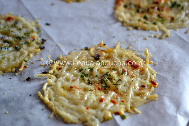 Tuiles de Parmesan & Emmental © Ana Luthi Tous droits réservés