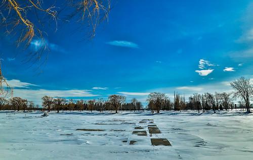 blue sky snow ice clouds port docks landscape canal day montréal montreal jour bleu ciel neige nuages lachine paysage winds vents glace partlycloudy quais canallachine partiellementnuageux