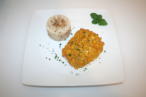 44 - Corn covered salmon with lime-coconut-rice - Served / Lachs mit Maishaube an Limetten-Kokos-Reis - Serviert