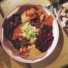 Vegetarian Combo at Harar with @veganxdork @theveganbrewer and @peacexlovexsurf. The eggplant dish was tops! #vegan #whatsveganseat #vegansofig #sandiego #Ethopian #p2tv #veganfoodshare