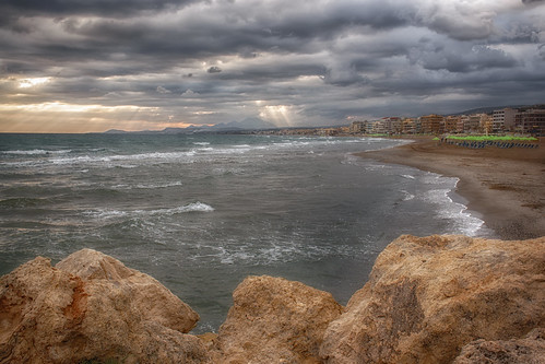 sea sky beach clouds sunrise rocks crete rays rethymno κρήτη παραλία σύννεφα θάλασσα ανατολή βράχια ρέθυμνο ουρανόσ