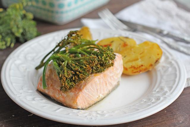 Salmon con bimi en papillote www.cocinandoentreolivos.com (11)