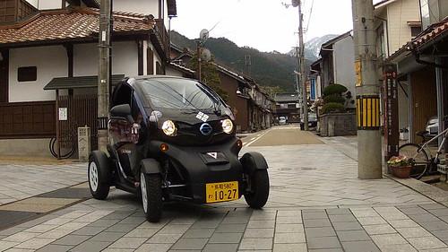 鳥取市鹿野町の城下町を走る超小型電気自動車「日産ニューモビリティコンセプト」