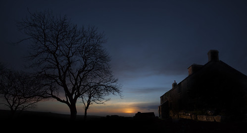 sunset house southwest tree silhouette devon dartmoor dartmoornationalpark ditsworthywarrenhouse