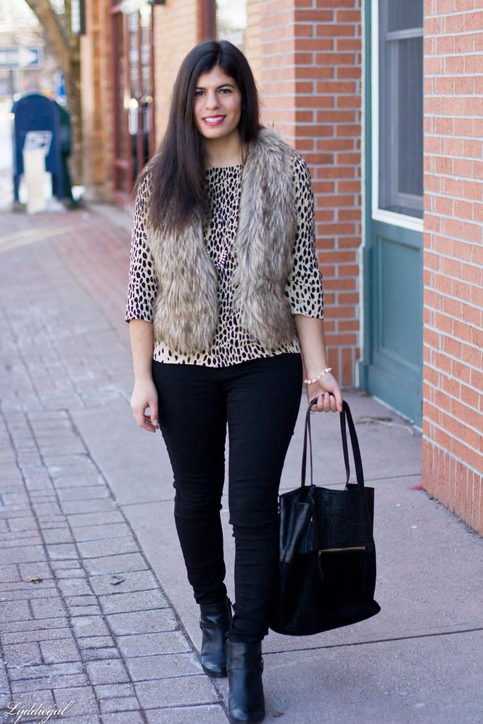 leopard tunic, fur vest, black jeans-3.jpg