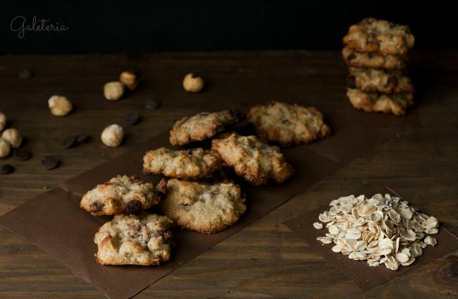 galletas de avena, chocolate y avellanas