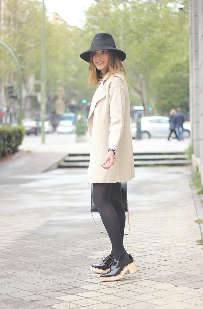 Beige Jacket Choies Black Skirt Suiteblanco Black Hat Uterqüe18