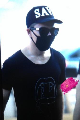 YB Dae GD departure Seoul to Bangkok 2015-07-10 021