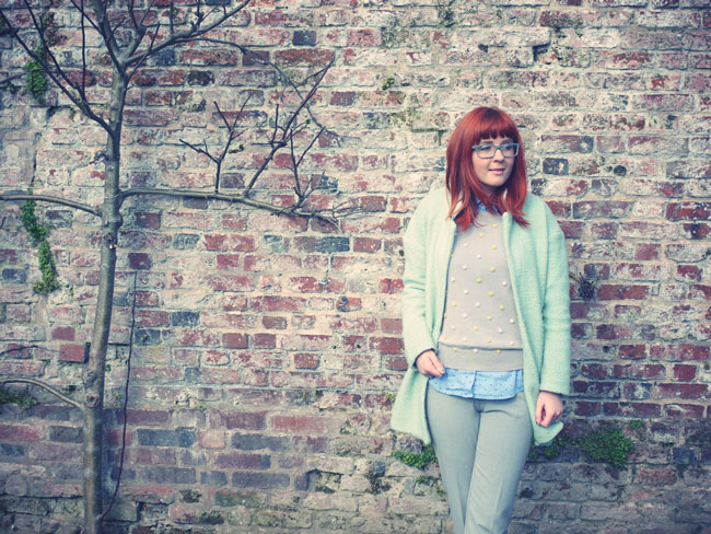 red-head-fashion-blogger