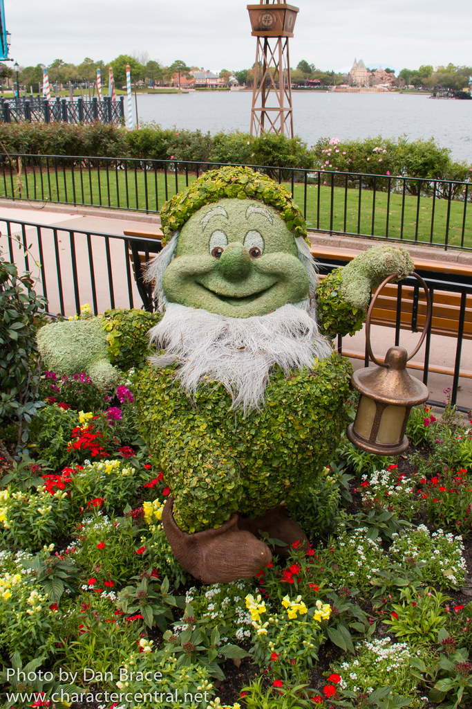 Epcot International Flower And Garden Festival At Disney Character Central