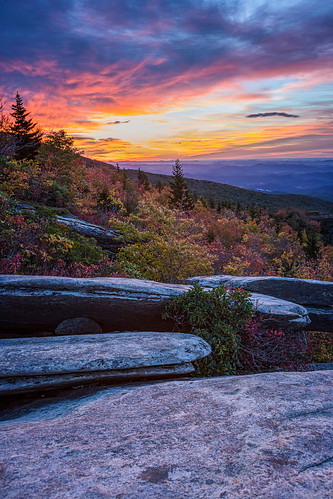 morning autumn mountains fall colors sunrise hiking northcarolina blueridgeparkway brp roughridge visitnc