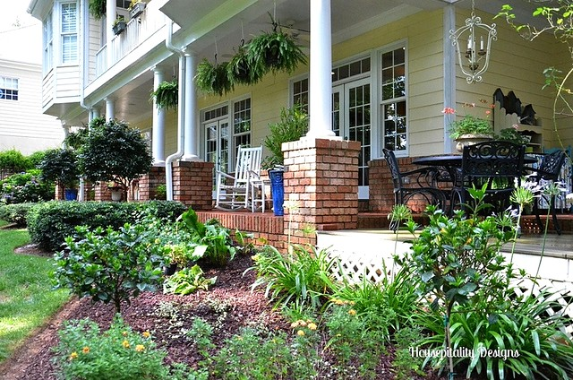 Veranda/Back Yard-Housepitality Designs