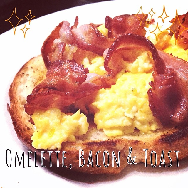 Omelette Bacon and Toast