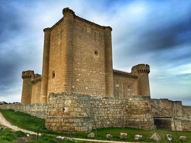 Castillo de Villafuerte de Esgueva (Valle Esgueva, Valladolid)