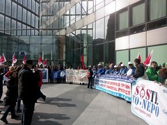 SaveGreekWater and SOSte To Nero in front of the EU Commission