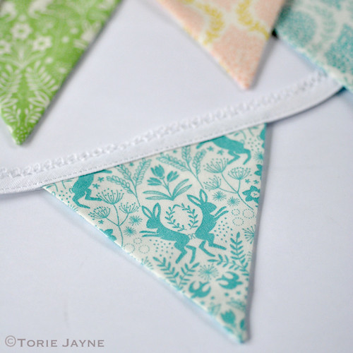 Mini bunting tutorial 8