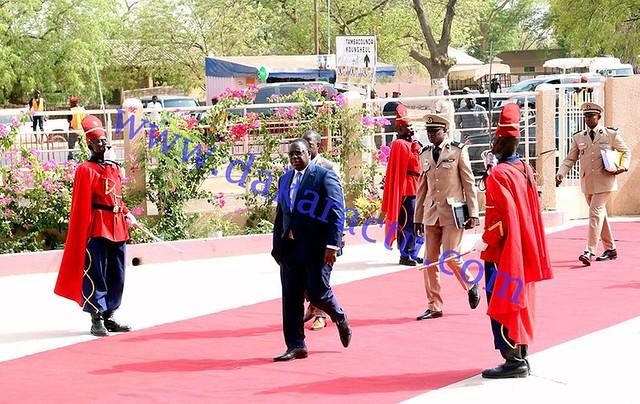 Conseil des ministres Kaffrine arrivée du Président  de la République  à l'hotel de ville  (3)-BorderMaker