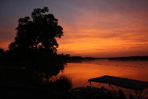 africa morning sky ferry canon river eos dawn crossing nile uganda paraa 1000d