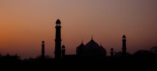 pakistan india temple indian islam pray mosque muslims badshahimosque paki mughalarchitecture royalmosque