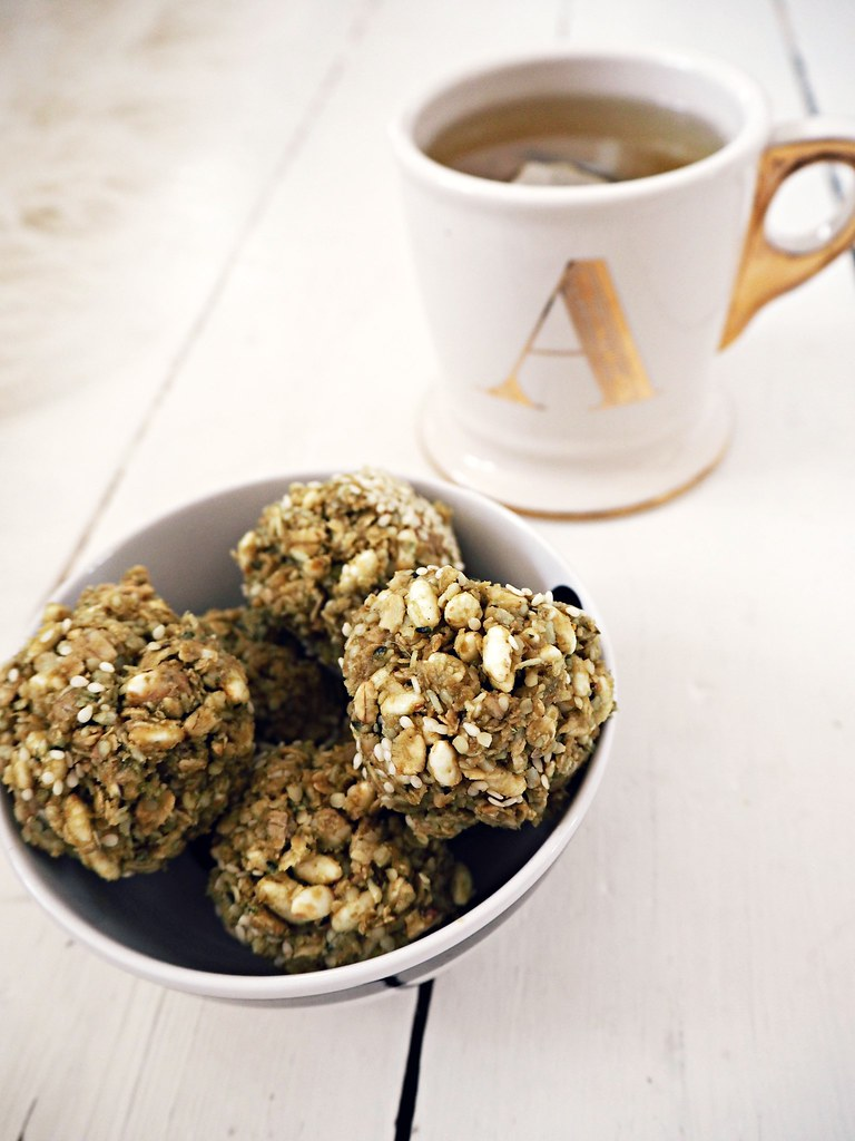 Homemade gluten free protein and cashew bounceballs recipe The Little Magpie 10