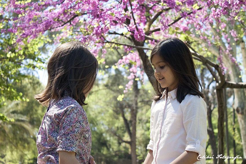Hermanas en el parque