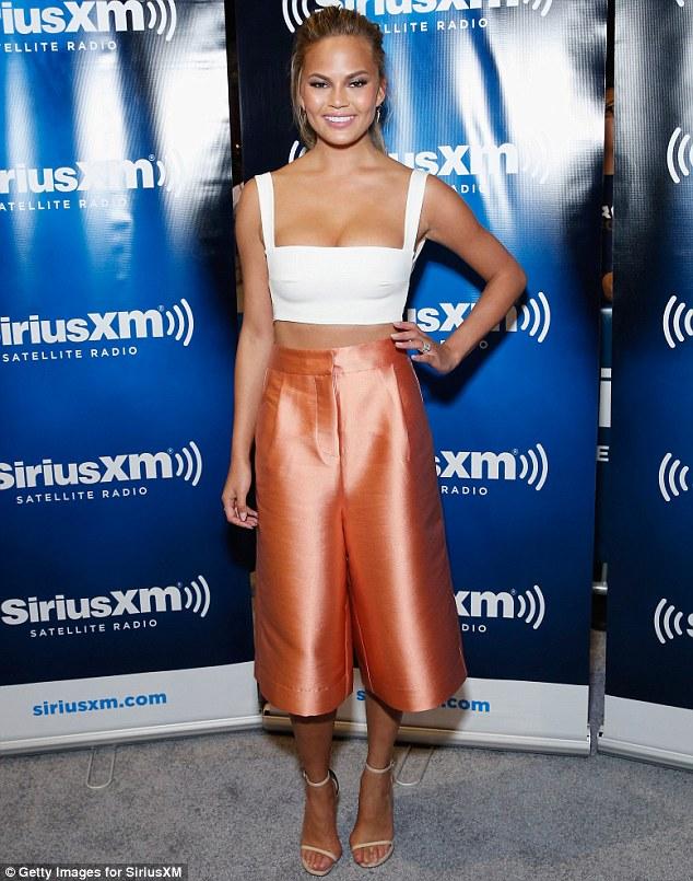 high-waist-wide-leg-copper-coloured-culottes-white-crop-top