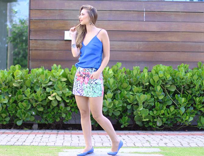 04-saia jeans colorida estampada e blusa azul naguchi verão blog sempre glamour