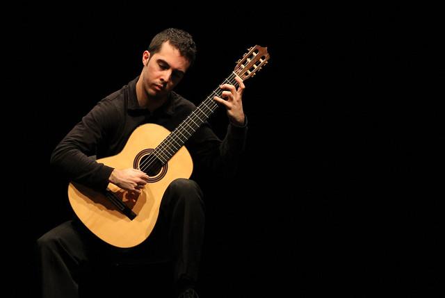PABLO MENÉNDEZ, GUITARRA - TEATRO EL ALBÉITAR 13.03.15 LEÓN