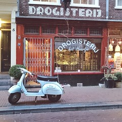 Drogisterij & Vespa    #vscocam #amsterdam #vespa #jordaan