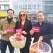 Unsere Generalsekretärin Petra Berg gemeinsam mit Magnus Jung und David Lindemann beim Osterstand der SPD Saar.
