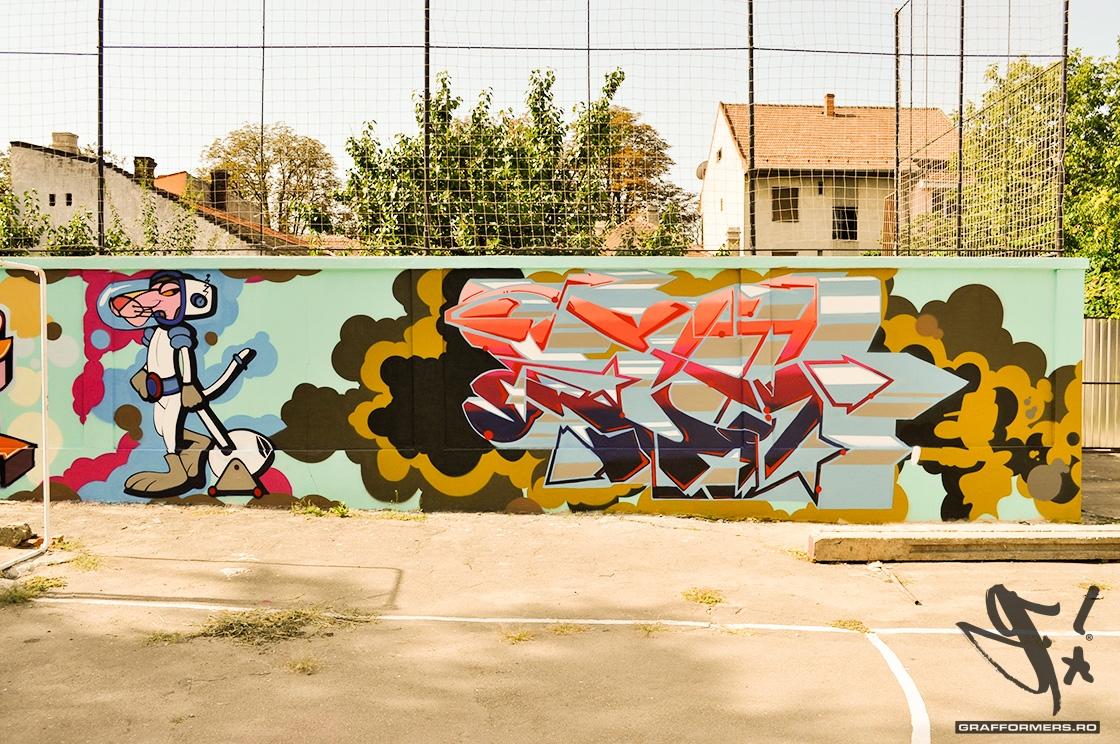 05-20110818-arts_high_school_yard_session_1-oradea-grafformers_ro