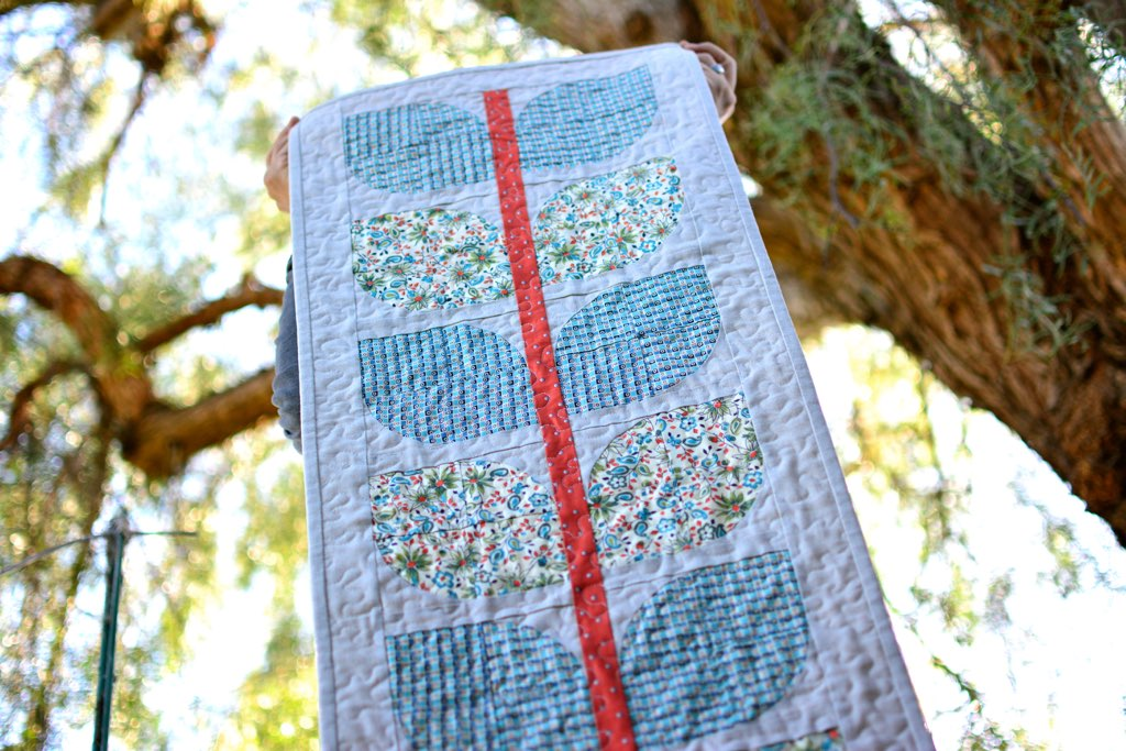 Harvest Vine Table Runner