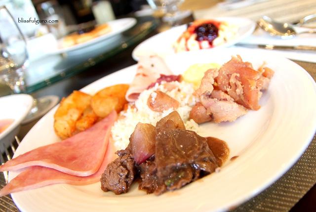 Luxent Hotel Quezon City Buffet Breakfast