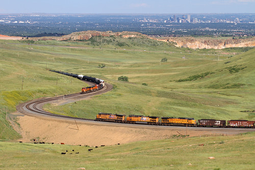 railroad up train colorado rocky co unionpacific locomotive meet bnsf freighttrain cityofdenver manifestfreight little10curve upmoffattunnelsubdivision