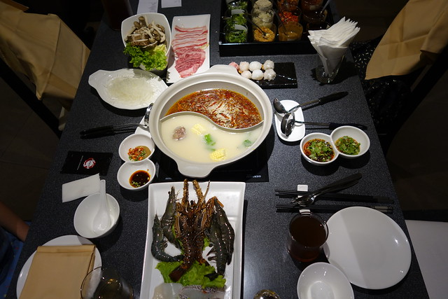 Set Dinner Spread at Hotpot Kingdom, Marina Bay Sands