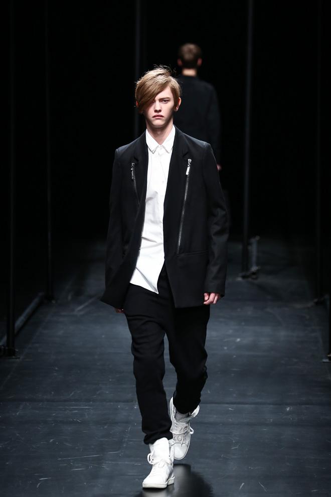 Robbie McKinnon3040_FW15 Tokyo A DEGREE FAHRENHEIT(fashionsnap.com)