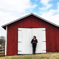 I teamed up with the talented @iisrache today in search of some cool photo opportunities. A couple hours and one brief run-in with the police later, we came up with a handful of near shots.👍 #exploring #adventure #barn #portrait #postthepeople #m