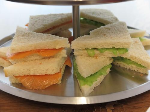 Lachs- und Gurkensandwich zum Afternoon tea