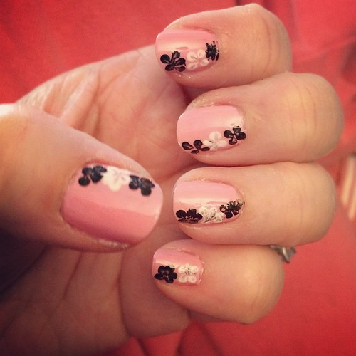 TGIF #nailart #cutepolish #flowers