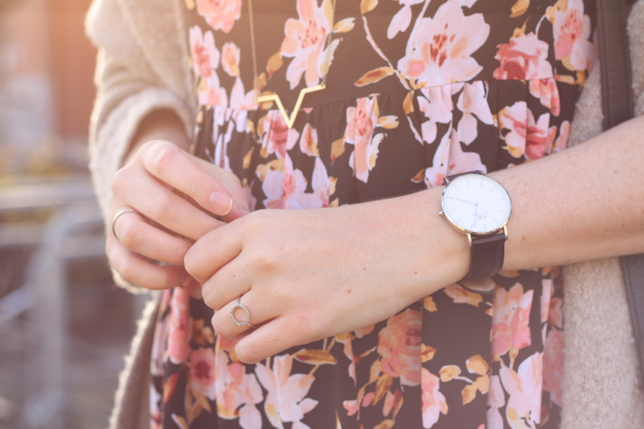spring outfit: floral babydoll dress, daniel wellington watch, diamanti per tutti rings, lobogato necklace