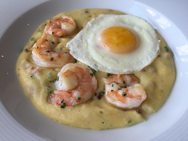 Gulf shrimp and grits - Redd