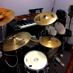 tom-tom drum, percussion, bass drum, drums, drum, timbales, electronic instrument, skin-head percussion instrument,
