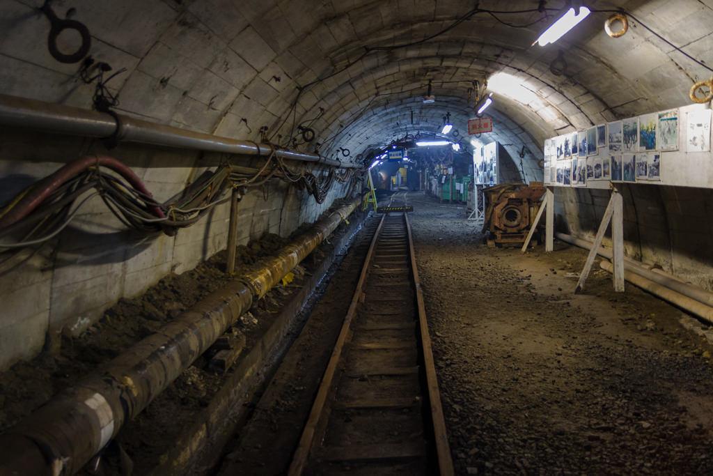 炭鉱内見学ツアー