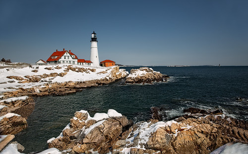 light lighthouse tower station portland faro bay harbor elizabeth gulf unitedstates head maine historic cape beacon casco oldest leuchtturm portlandheadlight capeelizabeth cascobay scenicview lightstation portlandharbor historiclighthouse fortwilliamspark oldestlighthouse mainelandscape